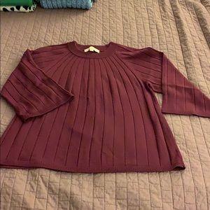 Like new, lightweight, 3/4 sleeve sweater